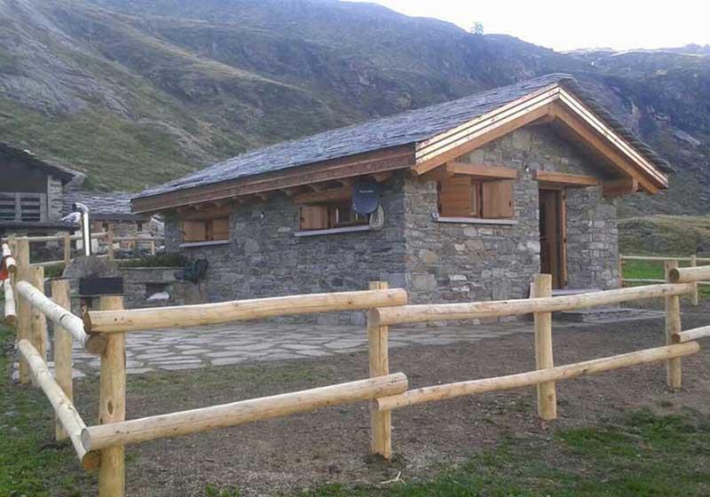 chalet in legno e pietra