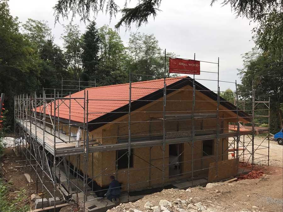 cantiere della casa in legno a Trevisago