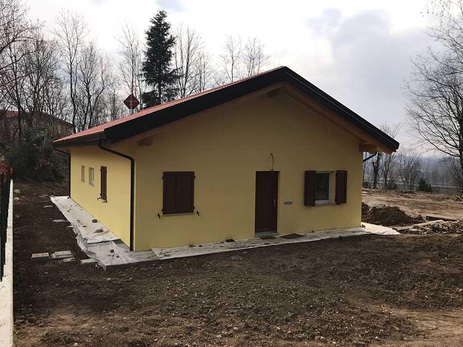 casa in legno costruita a Trevisago