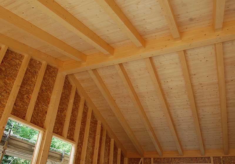 copertura in legno della casa in legno a Malgesso