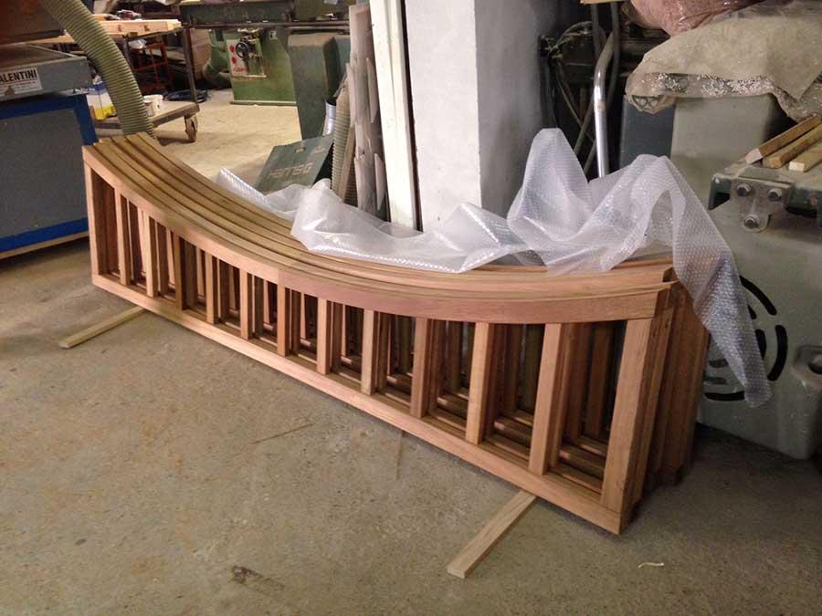 pezzi del ponte in legno per il Qatar