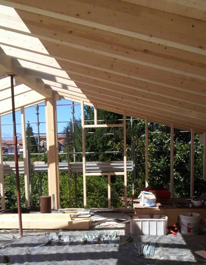 costruzione di un sopralzo in legno a Gavirate